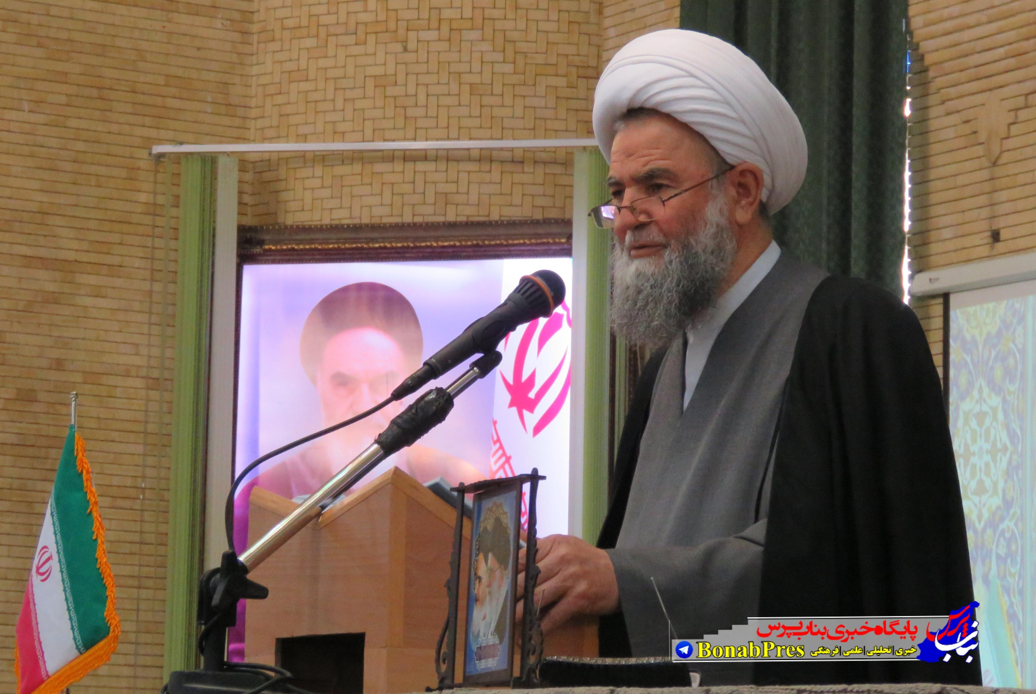 امام جمعه بناب: خطر فرهنگی و اقتصادی جامعه را تهدید می کند