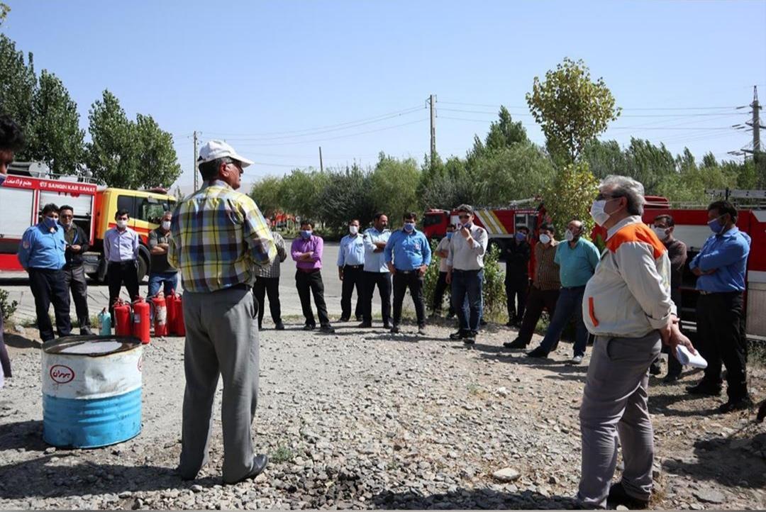 مجتمع فولاد صنعت بناب ميزبان كارگاه آموزشی آتش نشانی واطفاء حریق شهرکهای صنعتی استان آذربايجانشرقي